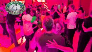 Tänzerinnen und Tänzer in der Milonga Sur in MÜnchen